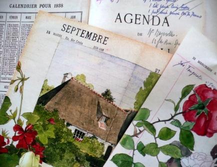 pages d'un agenda ancien illustrées d'aquarelles et ouvert à la page septembre