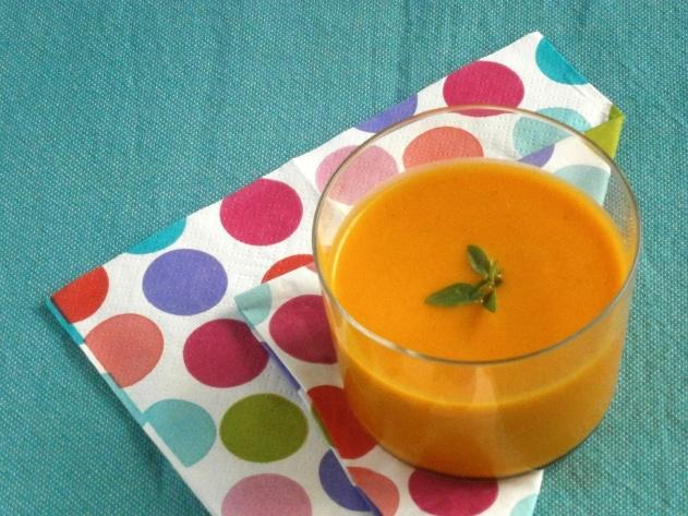 gaspacho glacé à la carotte cumin lait de coco