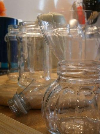comment-remplir-facilement-des-pots-de-confiture-etroits