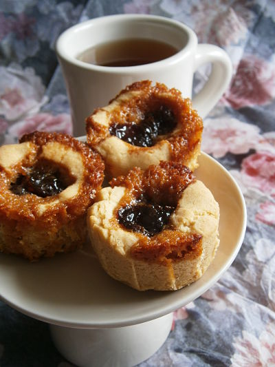 biggaran grottor biscuit a la confiture de cerises