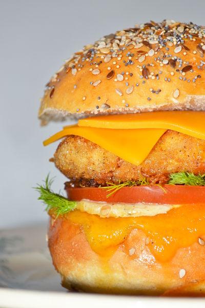 burger cajun au poulet la pintade aixoise. Black Bedroom Furniture Sets. Home Design Ideas