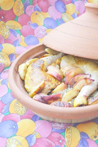recette-facile-rapide-tajine-poulet-peche-pomme-oignon