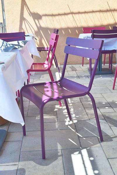 table-de-ventabren-avis-critique-terrasse-chaise-fermob-printemps-2014