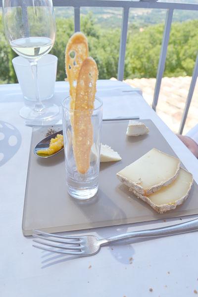 table-de-ventabren-avis-critique-terrasse-fromage-savelli-printemps-2014