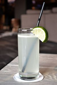 recette-cocktail-gin-fizz-facile-citron-vert-version-finale