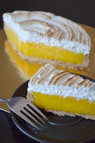 tarte au citron meringuee a l'italienne classique pintade aixoise