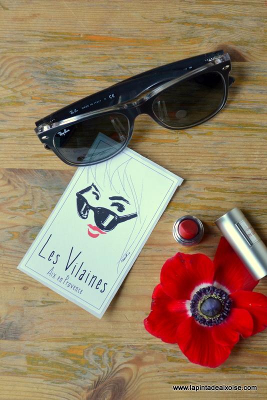 rosé rose vin les vilaines aix en provence rouge a levres lunettes noires ray ban anemones